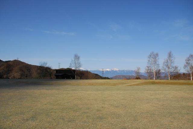 みずがき山自然公園の芝生広場_北アルプスの眺め