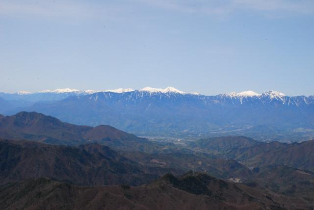 瑞牆山の山頂から南アルプス