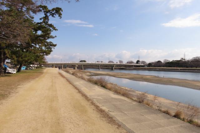 武庫川の河川敷_ジョギング