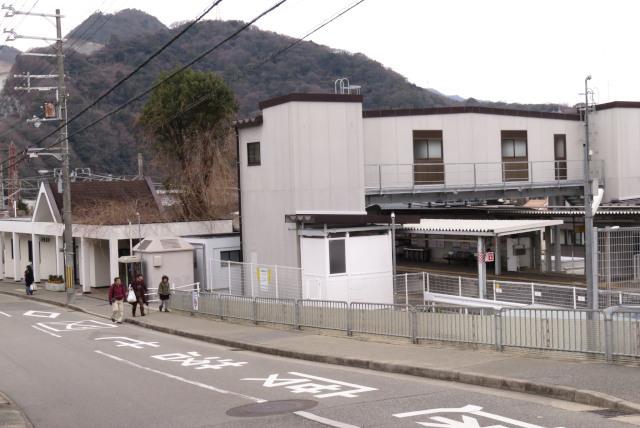 JR生瀬駅