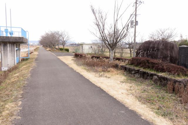 兵庫県三田市_武庫川堤防のジョギングコース