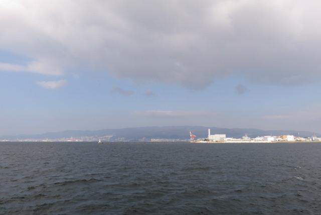 兵庫県尼崎市_武庫川_魚釣り公園_神戸と六甲山