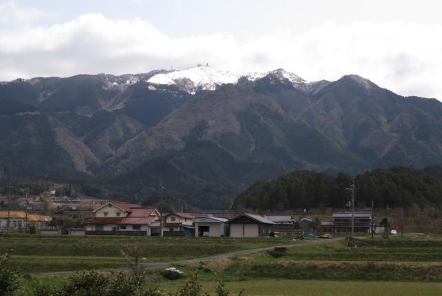 山東から眺める粟鹿山