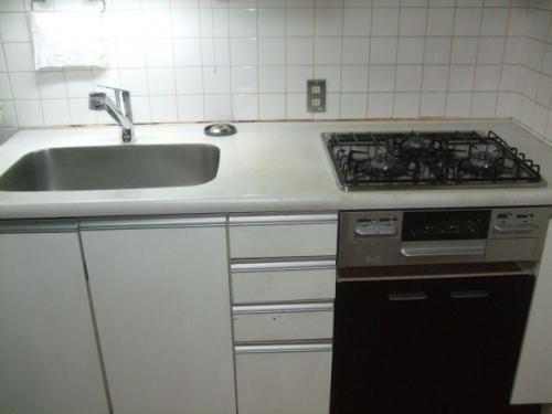 シングルレバー水栓とガスコンロ交換、オーブンを収納へ