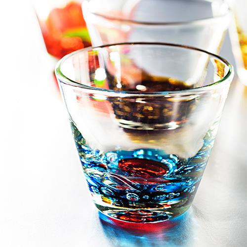 誕生日プレゼントにぜひ贈りたい  12か月のカラーをまとった琉球ガラスが登場!【るりあん】バースデーグラス