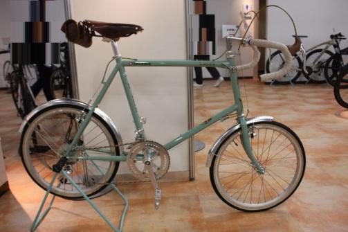 80年代風ビアンキデザイン 【2017モデル】 BIANCHI(ビアンキ) MINIVELO10 DROP Veloce(ミニベロ10ドロップベローチェ) 小径自転車