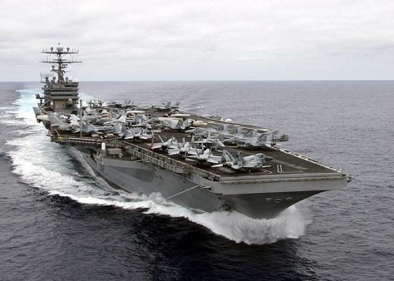 640px-US_Navy_010730-N-6234S-004_USS_Carl_Vinson_(CVN_70)_underway.jpg