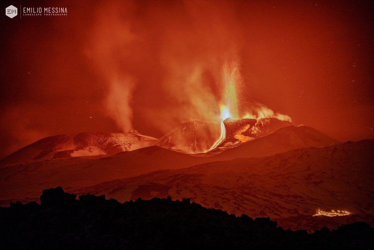 【イタリア】ヨーロッパ最大の火山「エトナ山」が噴火…溶岩の流出や火山弾を確認
