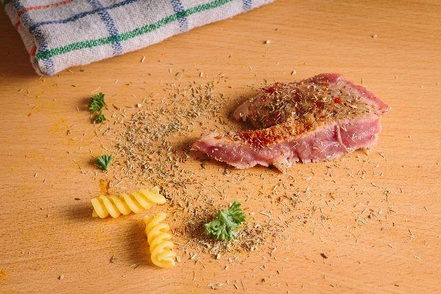 【やっぱりセーフ】食べ物を落としても3秒以内ならOK!科学者が結論付ける