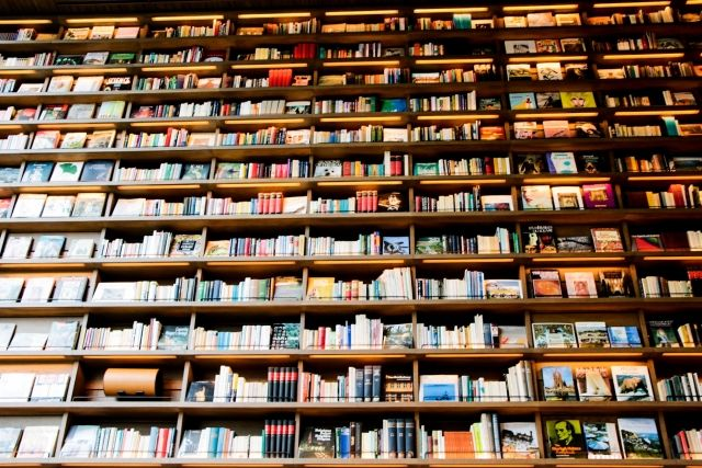 【人類の叡智】ノルウェー北極圏の島にある廃坑の奥深くに「図書館」を設置…人類滅亡後も世界の文献を守り残す