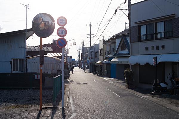 西日の旧街道