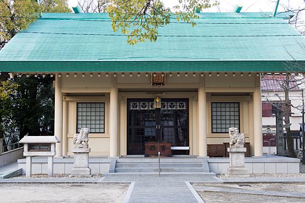 八王子神社拝殿正面