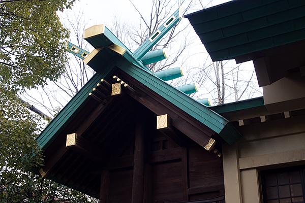 八王子神社本殿屋根