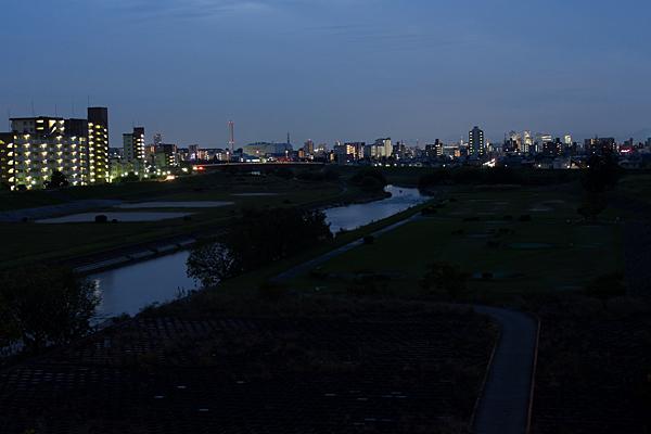 矢田川夜の風景