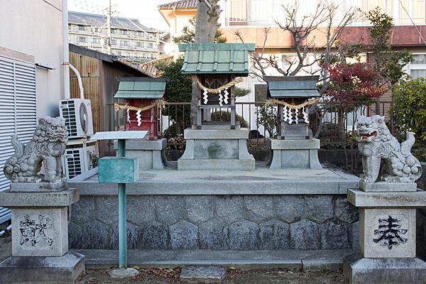 斎穂社社殿