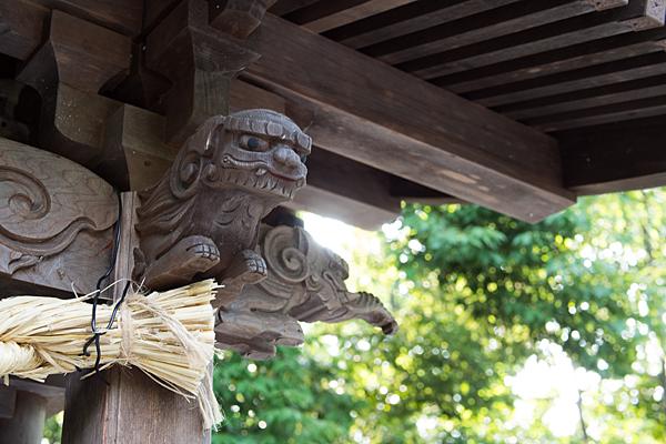 中山神社拝殿の彫り物