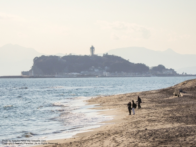 稲村ヶ崎から望遠レンズで見た江ノ島