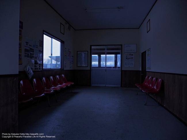 尺別駅の駅舎内