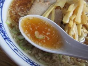 関屋福来亭 ラーメン スープ