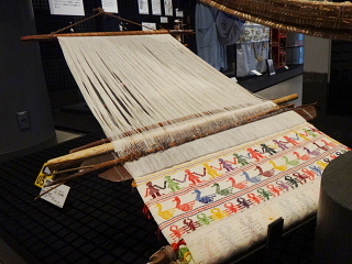 みんぱく 織り