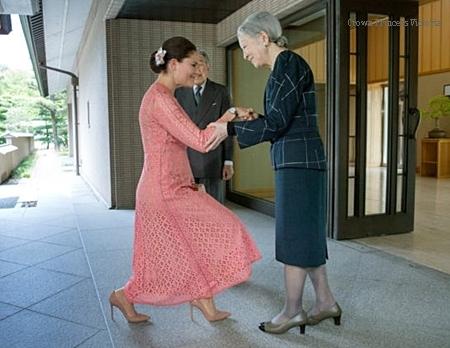 Princess-victoria-Japanes-emperor.jpg