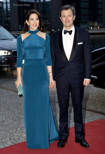 princess-mary-bluegown.jpg