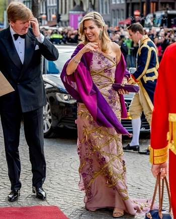 queenmaxima-kingsday-gown.jpg