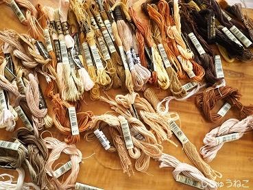 茶色い刺繍糸