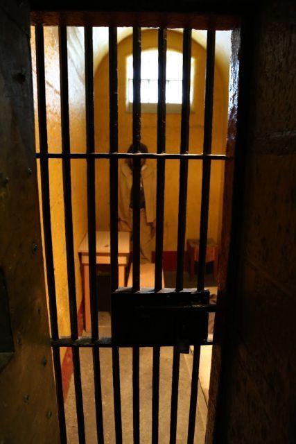 看守に追い出された、ヘンな囚人がいた?