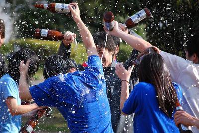 プロ野球で、優勝した際の「ビールかけ」を最初にしたのは誰?