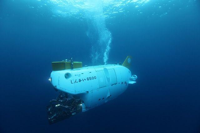 潜水調査船は、錘(おもり)を積んで潜り、錘を落として浮上していた?