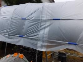 製作途中のビニールハウス・・・パッカー張リが緩く雨が溜まる場所が…2017.03.27