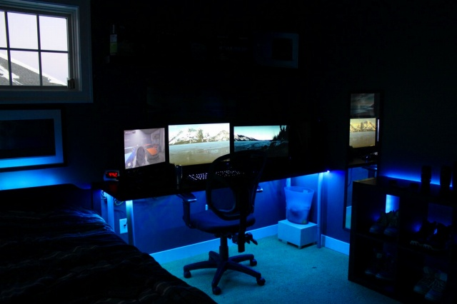 PC_Desk_MultiDisplay86_03.jpg