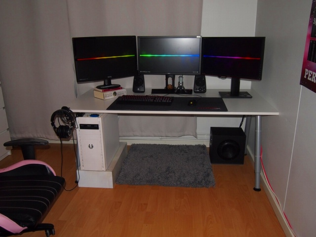 PC_Desk_MultiDisplay86_41.jpg