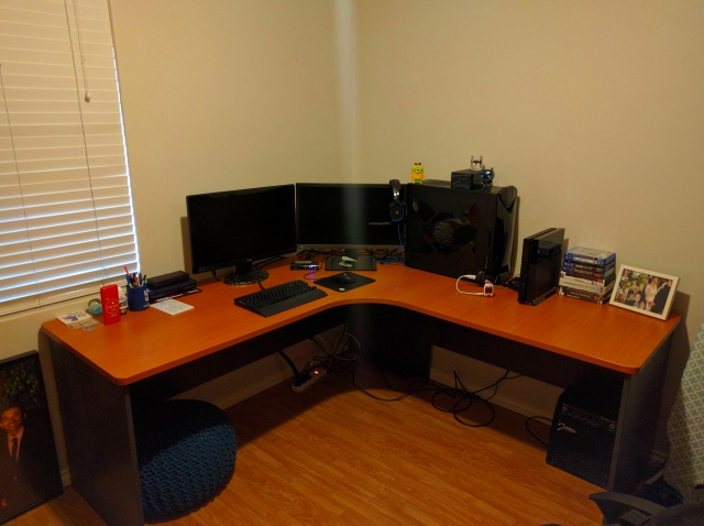 PC_Desk_MultiDisplay86_71.jpg