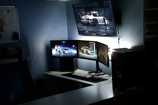 PC_Desk_MultiDisplay86_89.jpg