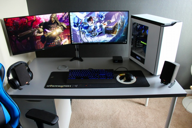 PC_Desk_MultiDisplay88_16.jpg