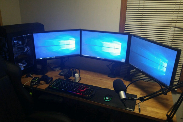 PC_Desk_MultiDisplay88_53.jpg