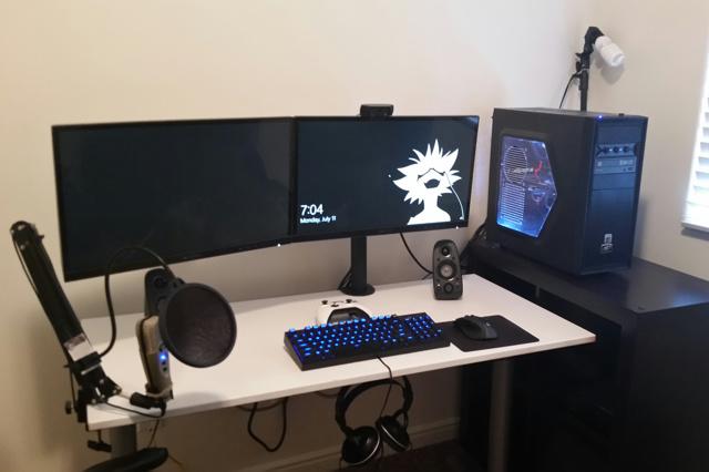 PC_Desk_MultiDisplay89_02.jpg
