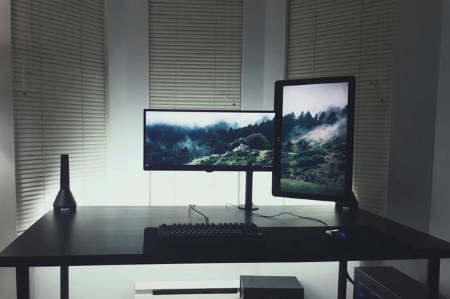 PC_Desk_MultiDisplay89_03.jpg
