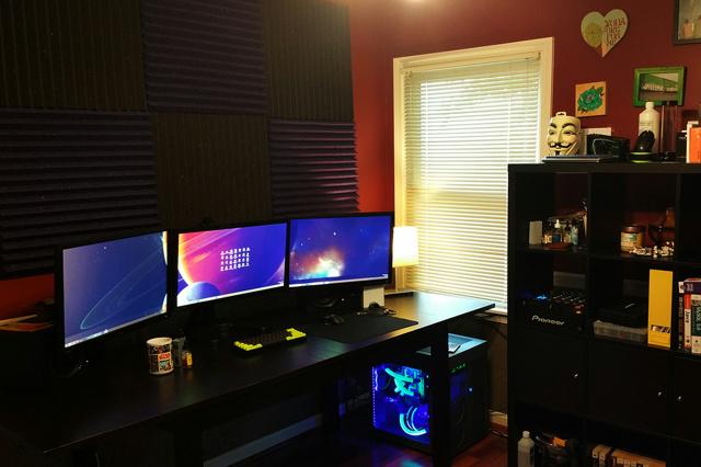 PC_Desk_MultiDisplay89_05.jpg