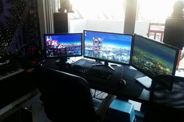 PC_Desk_MultiDisplay89_06.jpg