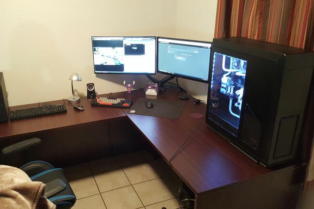 PC_Desk_MultiDisplay89_07.jpg