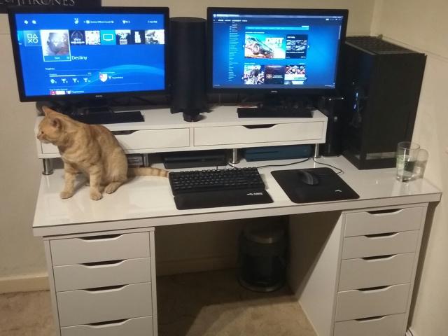 PC_Desk_MultiDisplay89_09.jpg