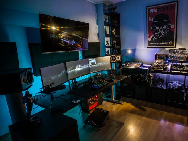 PC_Desk_MultiDisplay89_100.jpg
