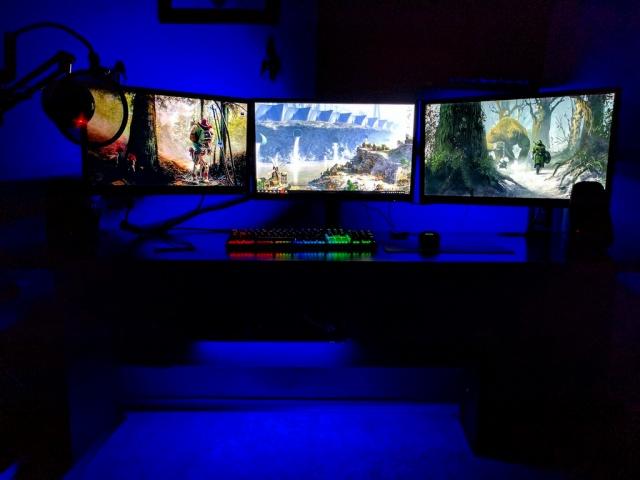 PC_Desk_MultiDisplay89_14.jpg