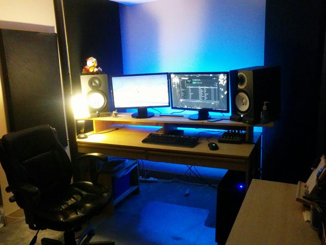PC_Desk_MultiDisplay89_36.jpg