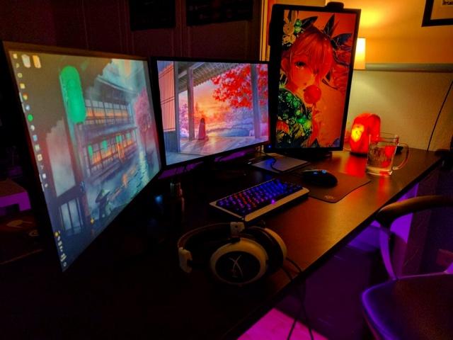 PC_Desk_MultiDisplay89_39.jpg
