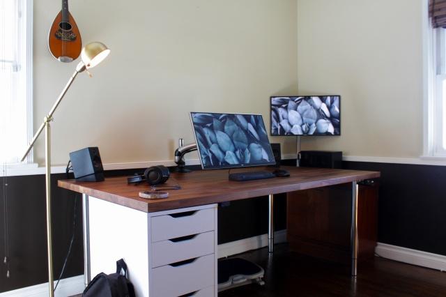 PC_Desk_MultiDisplay89_50.jpg