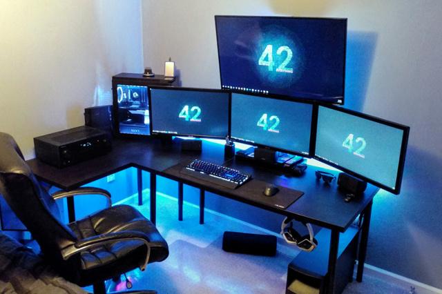 PC_Desk_MultiDisplay89_64.jpg